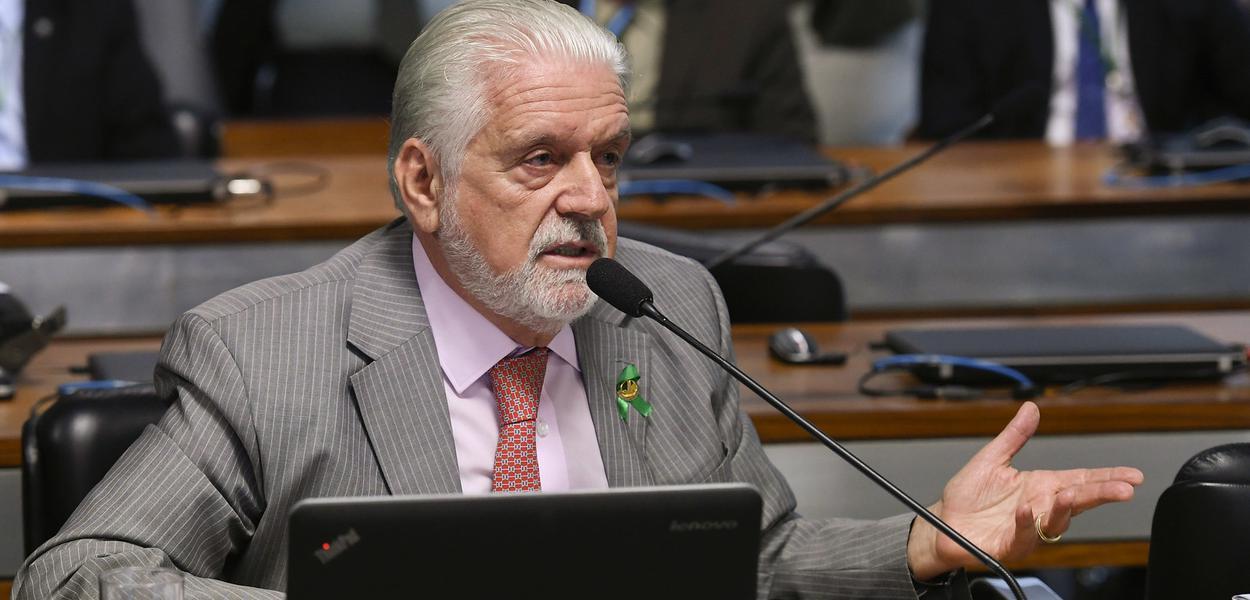 Senador Jaques Wagner questiona Moro na CCJ