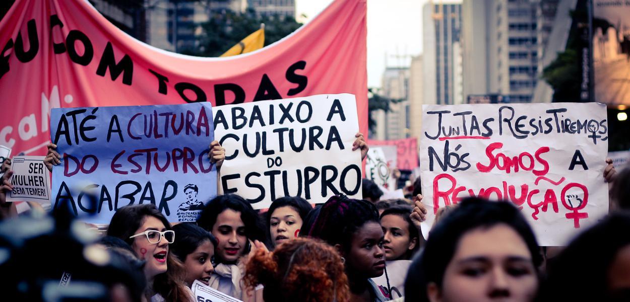Manifestação assédio sexual estupro
