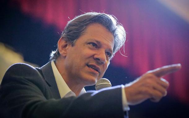 """Padilha: """"quem tirar Lula das eleições manchará suas digitais na história"""""""