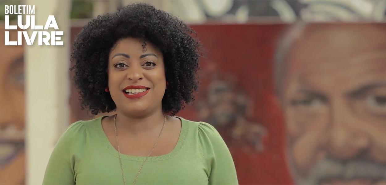 Preta Ferreira, que apresenta o Boletim Lula Livre, é presa e não se sabe o motivo