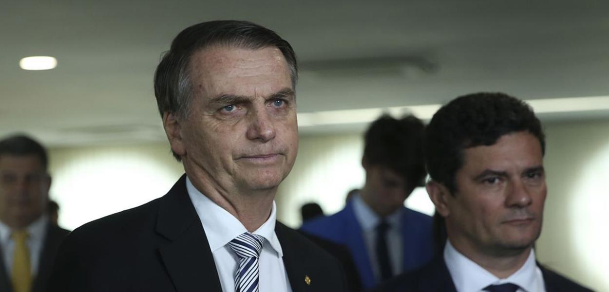 O presidente eleito Jair Bolsonaro e o futuro ministro da Justiça, Sérgio Moro, durante visita ao Superior Tribunal de Justiça (STJ).