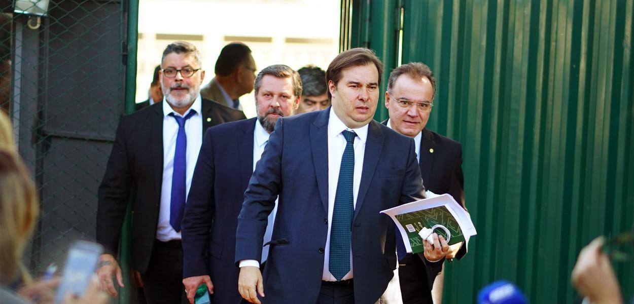 Brasilia DF O Presidente da câmara, dep. Rodrigo Maia (DEM-RJ), acompanhado de Alexandre Frota, fala sobre Reforma da Previdência