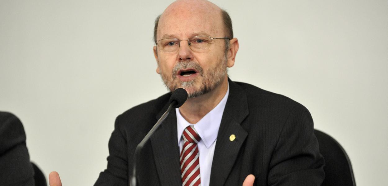 Líder do PT na Câmara, Elvino Bohn Gass