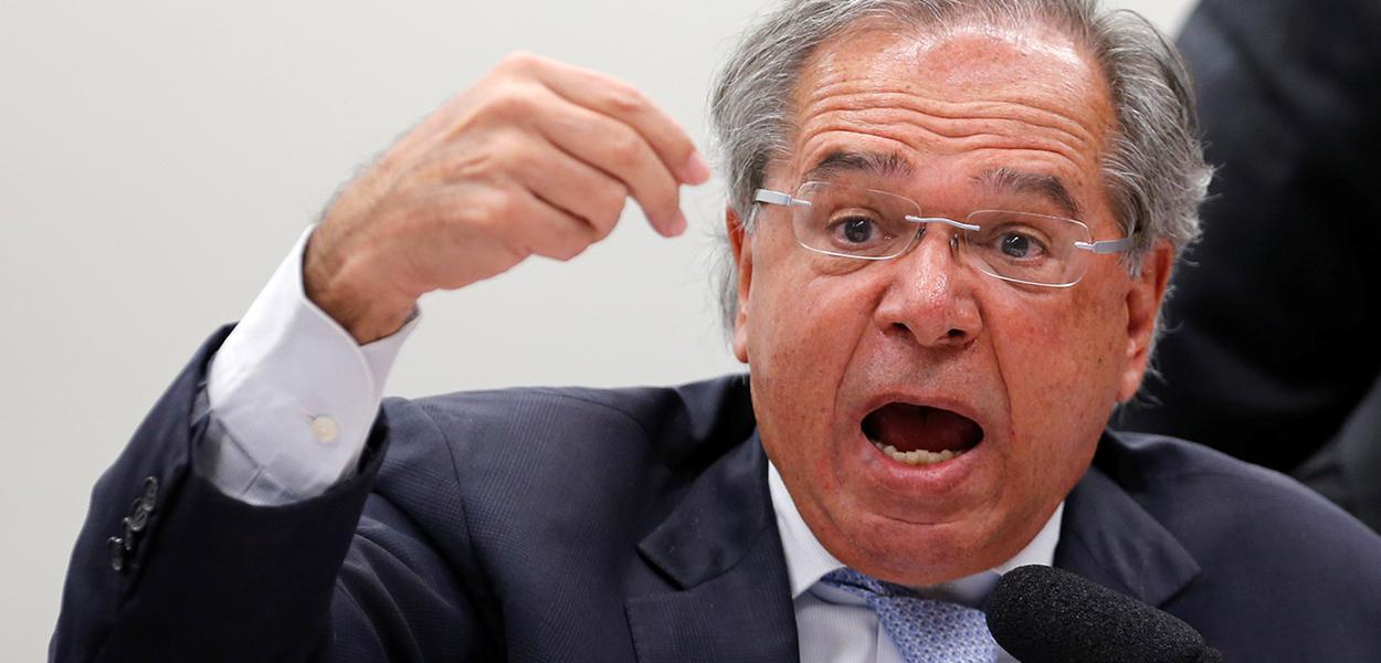 Ministro Paulo Guedes participa de sessão no Congresso