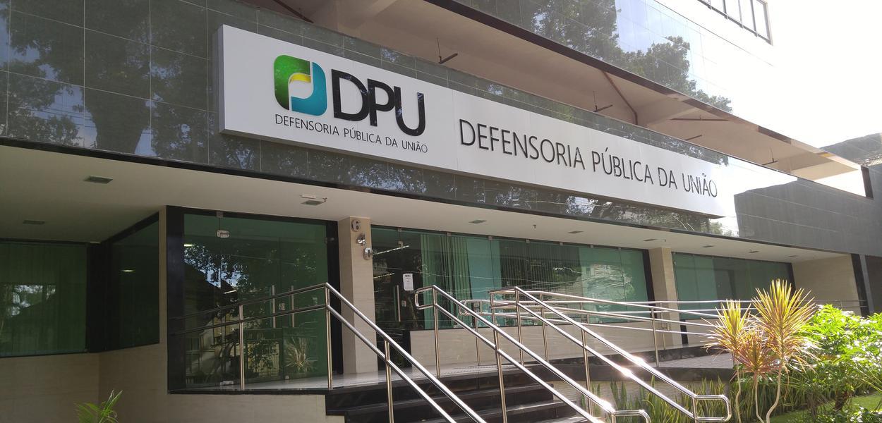 Resultado de imagem para SEM FUNCIONÁRIOS, DEFENSORIA PÚBLICA DA UNIÃO PODE FECHAR 43 UNIDADES