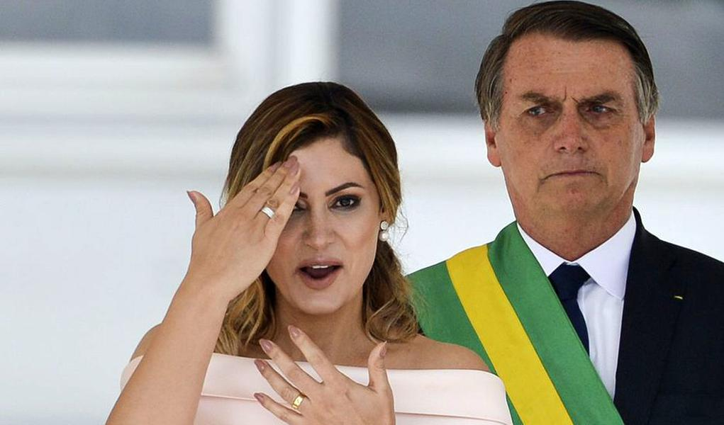 Petição repudia título de Cidadã de Fortaleza à primeira-dama Michelle Bolsonaro