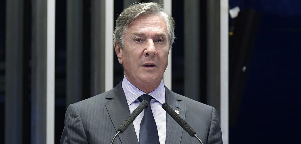 Plenário do Senado Federal durante sessão deliberativa ordinária.   Em pronunciamento, senador Fernando Collor (Pros-AL).