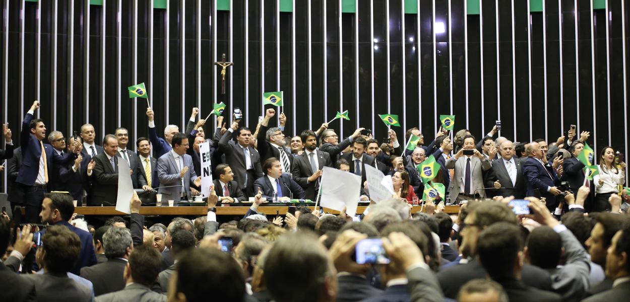 Reforma da Previdência é aprovada na Câmara dos Deputados