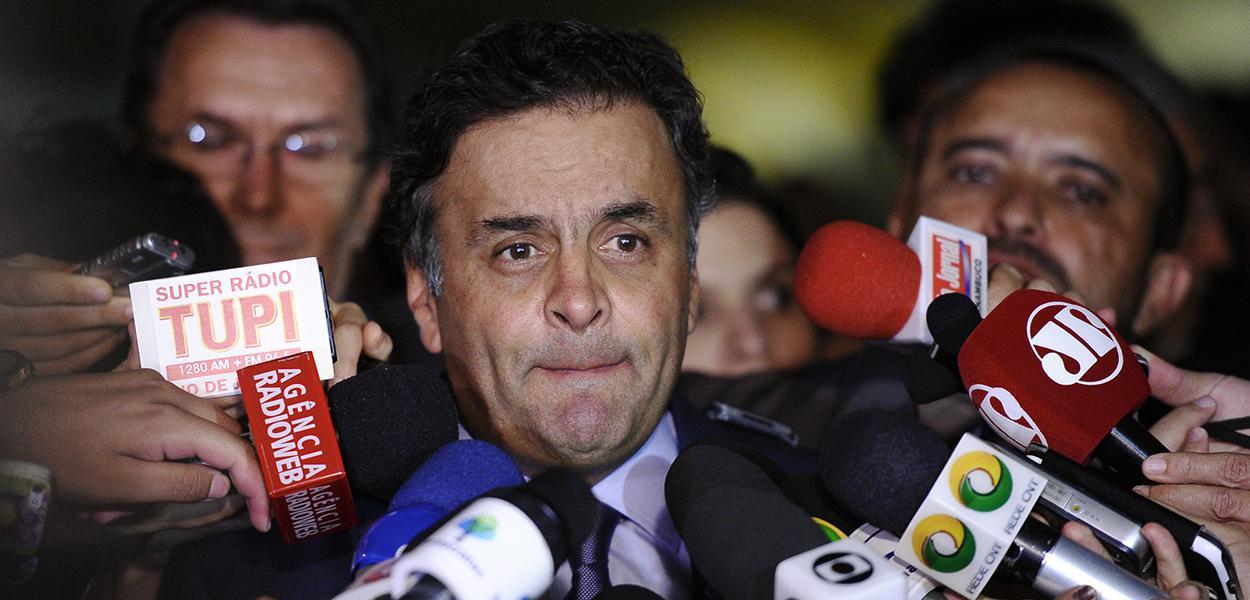 Aécio Neves concede entrevista
