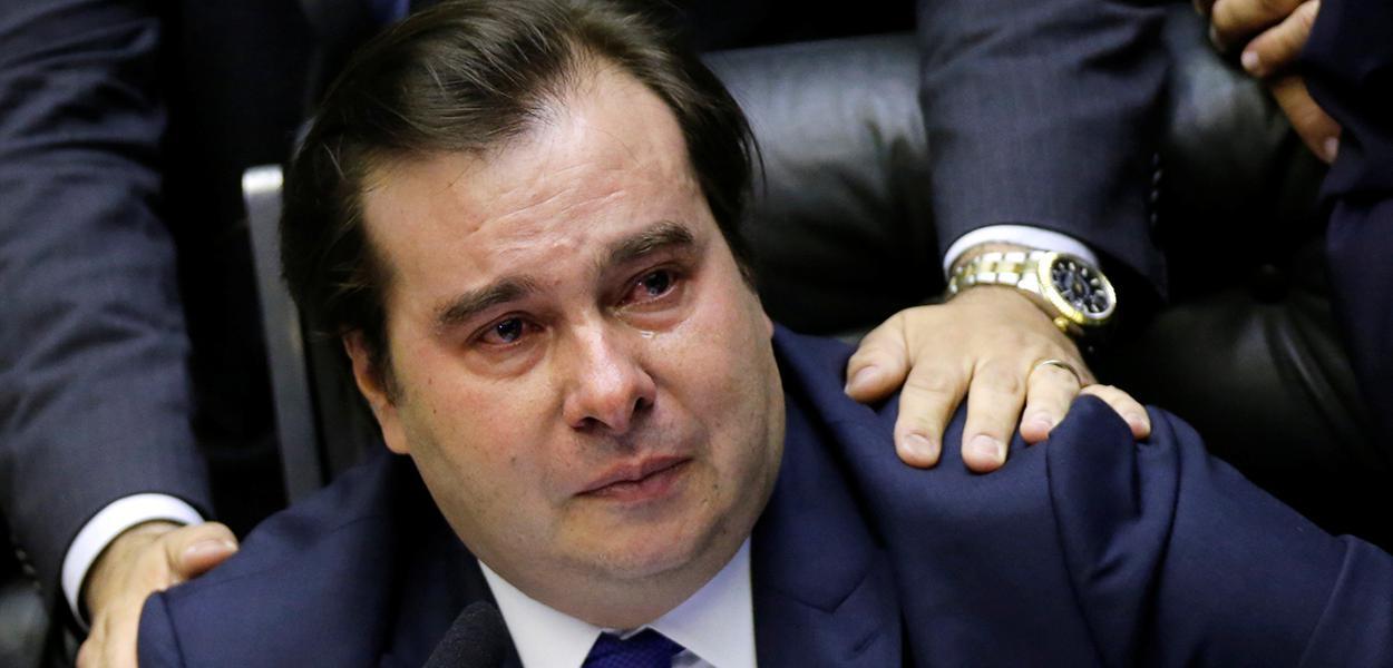 Presidente da Câmara dos Deputados, Rodrigo Maia, se emociona durante votação da reforma da Previdência