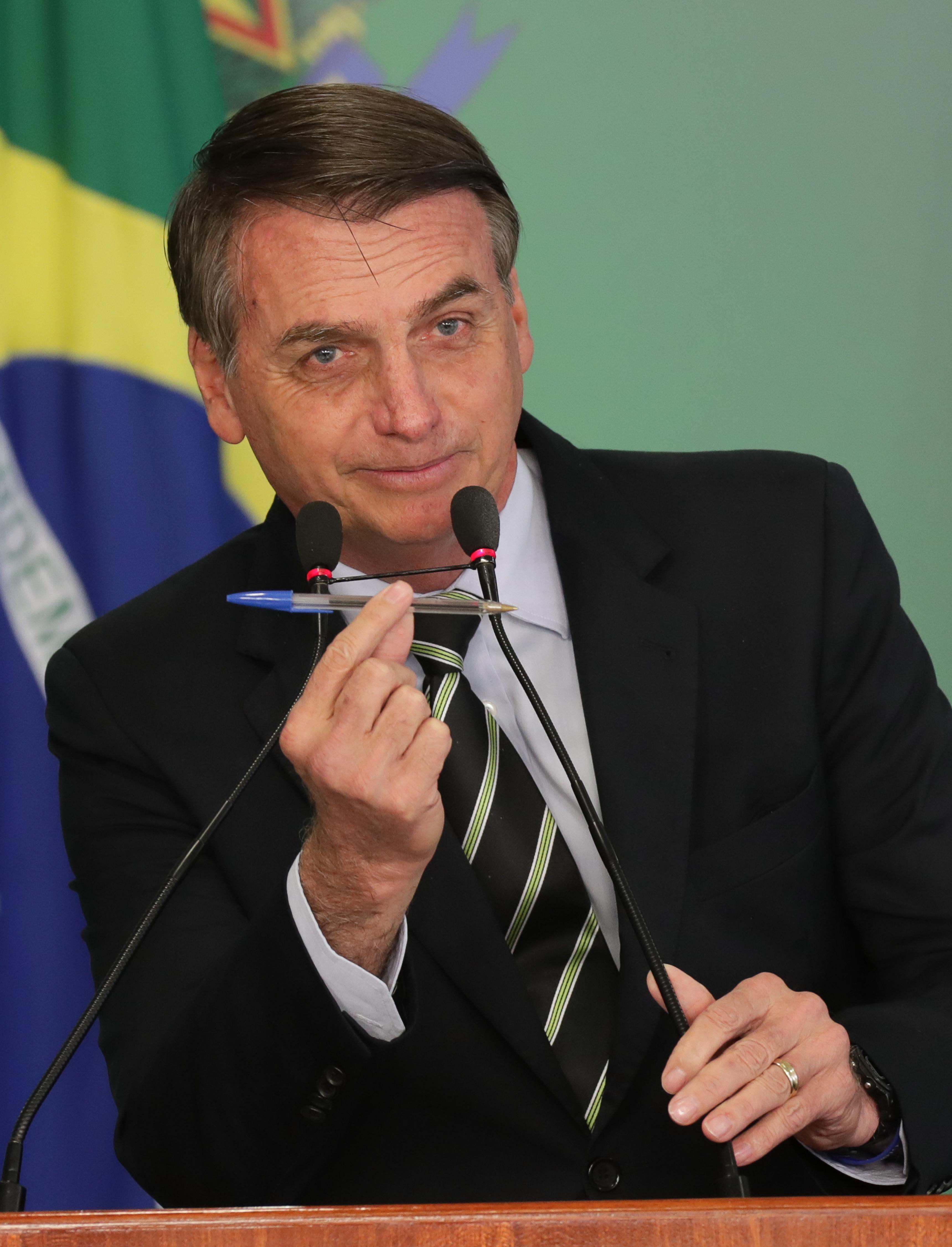 Brasília- DF. 15-01-2019- Presidente Bolsonaro assina decreto liberando a compra de armas para cidadão de bem.   Foto Lula Marques