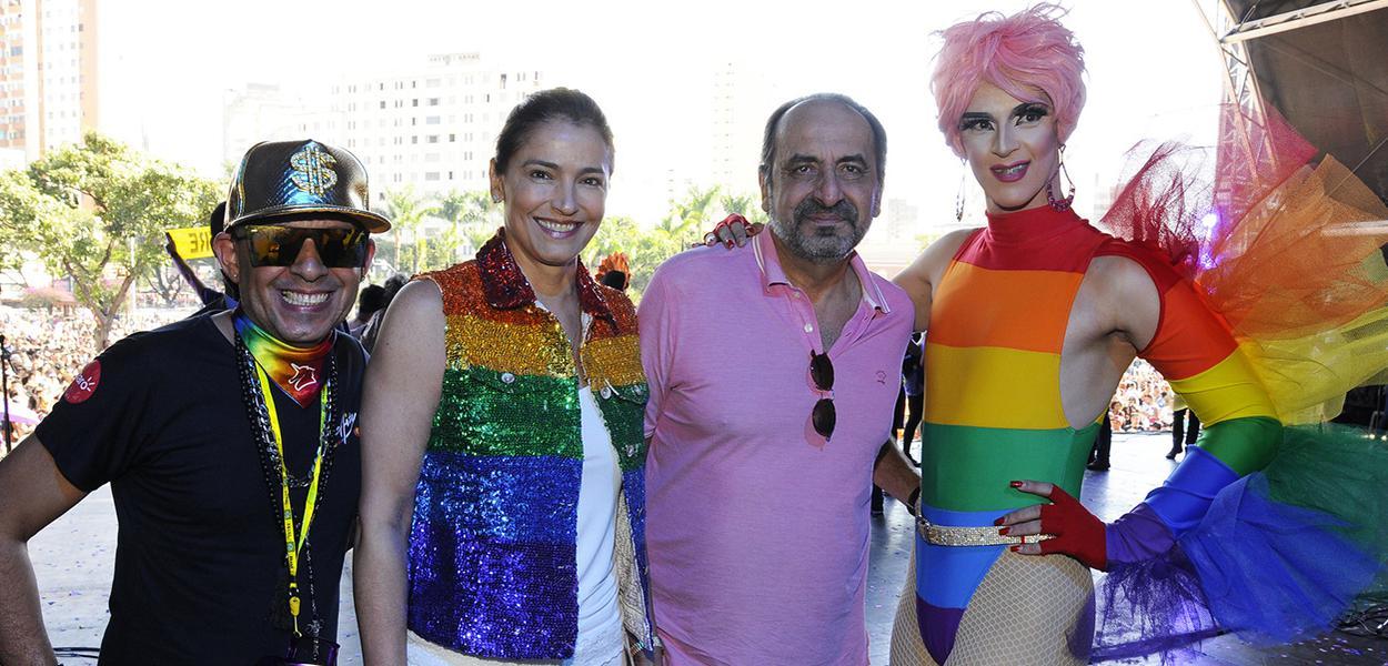 O prefeito Alexandre Kalil e a primeira-dama Ana Laender compareceram ao palco principal da Parada do Orgulho LGBT.