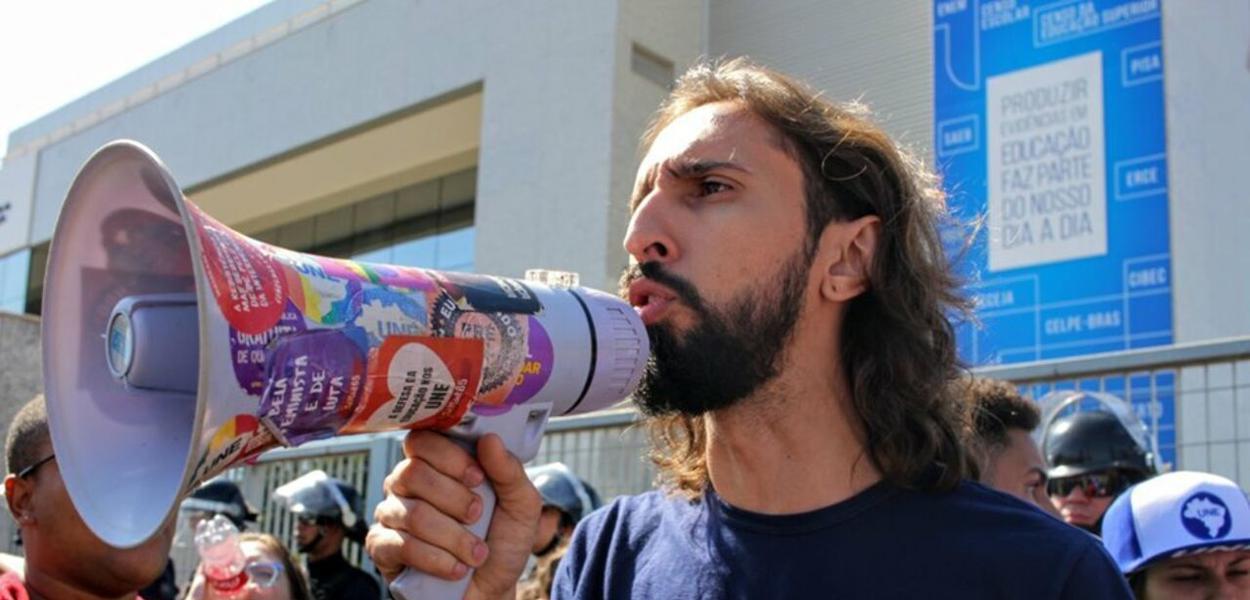 Presidente da UNE, Iago Montalvão