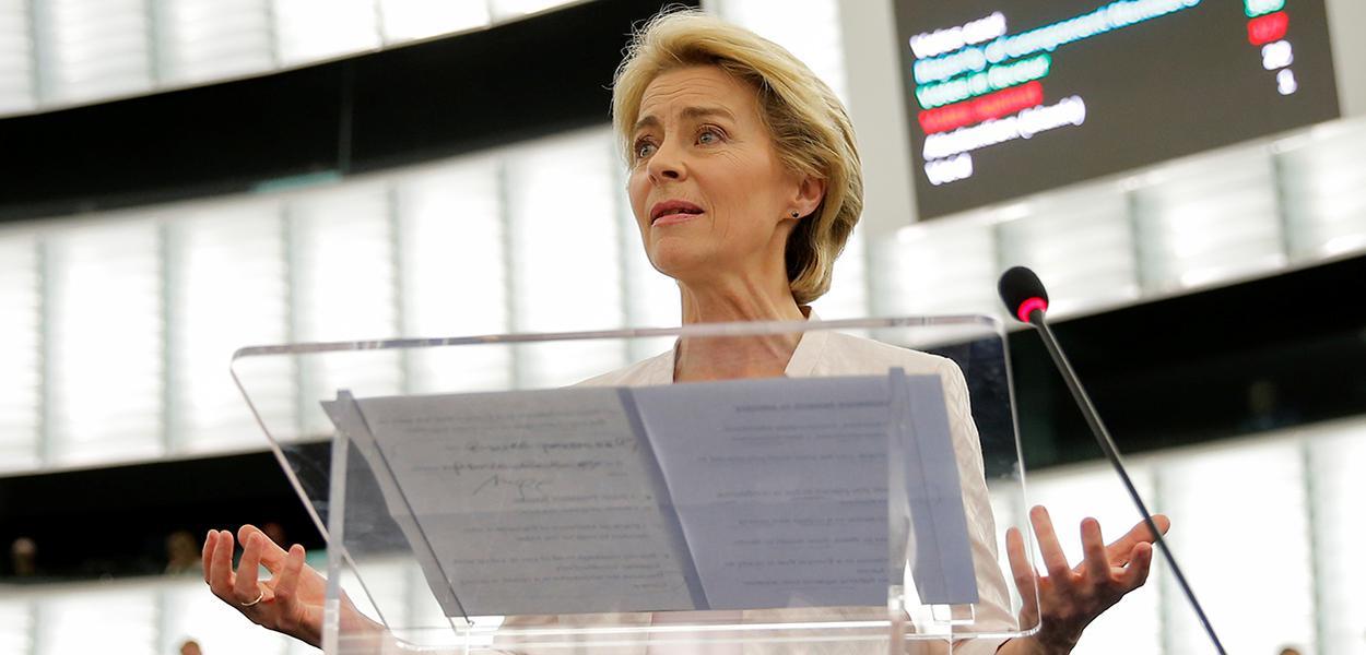 Ursula von der Leyen discursa no Parlamento Europeu.