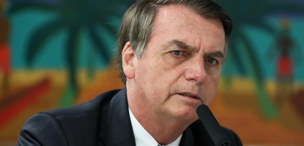 (Brasília - DF) Presidente da República, Jair Bolsonaro, fala com a imprensa, após almoço.
