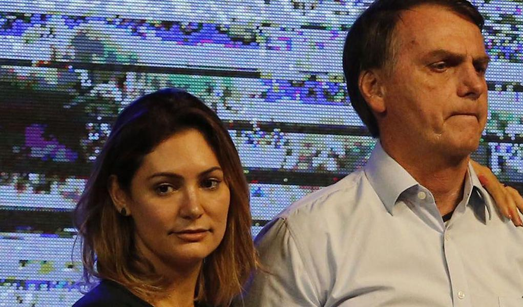 Em meio à crise no Planalto, Bolsonaro vai ao cinema com Michelle