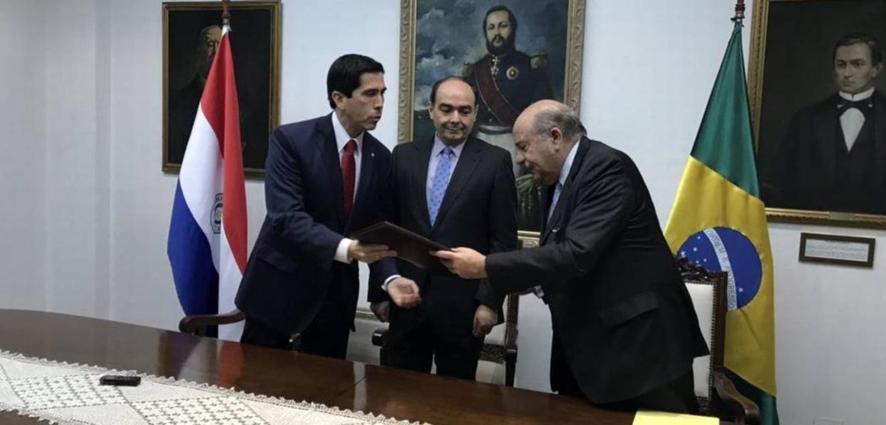 Paraguai cancela oficialmente acordo com Brasil que provocou ameaça de impeachment em Assunção.