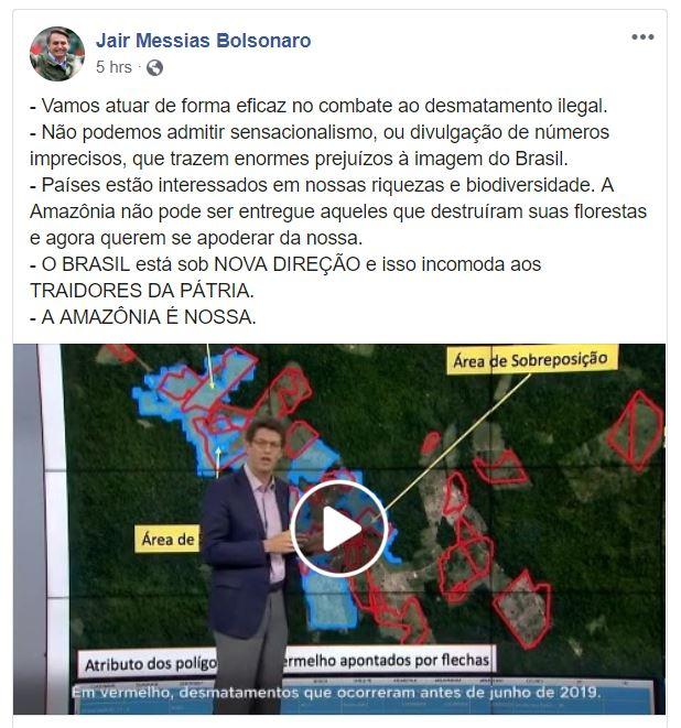 No Facebook, Bolsonaro ataca