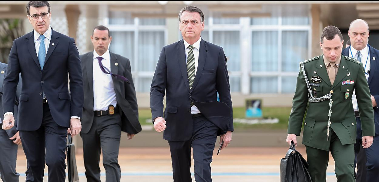(Brasília - DF, 06/08/2019) Presidente da República, Jair Bolsonaro durante partida para São Paulo.\rFoto: Marcos Corrêa/PR