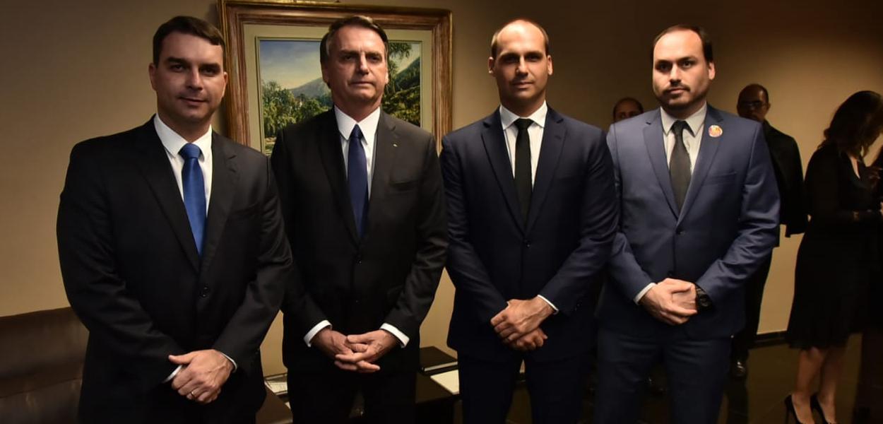 Clã Bolsonaro: Flávio, Jair, Eduardo e Carlos