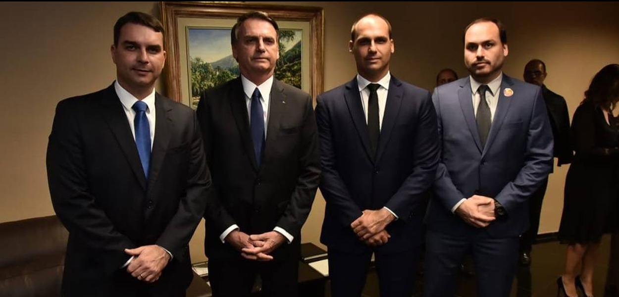 Flavio, Jair, Eduardo e Carlos Bolsonaro