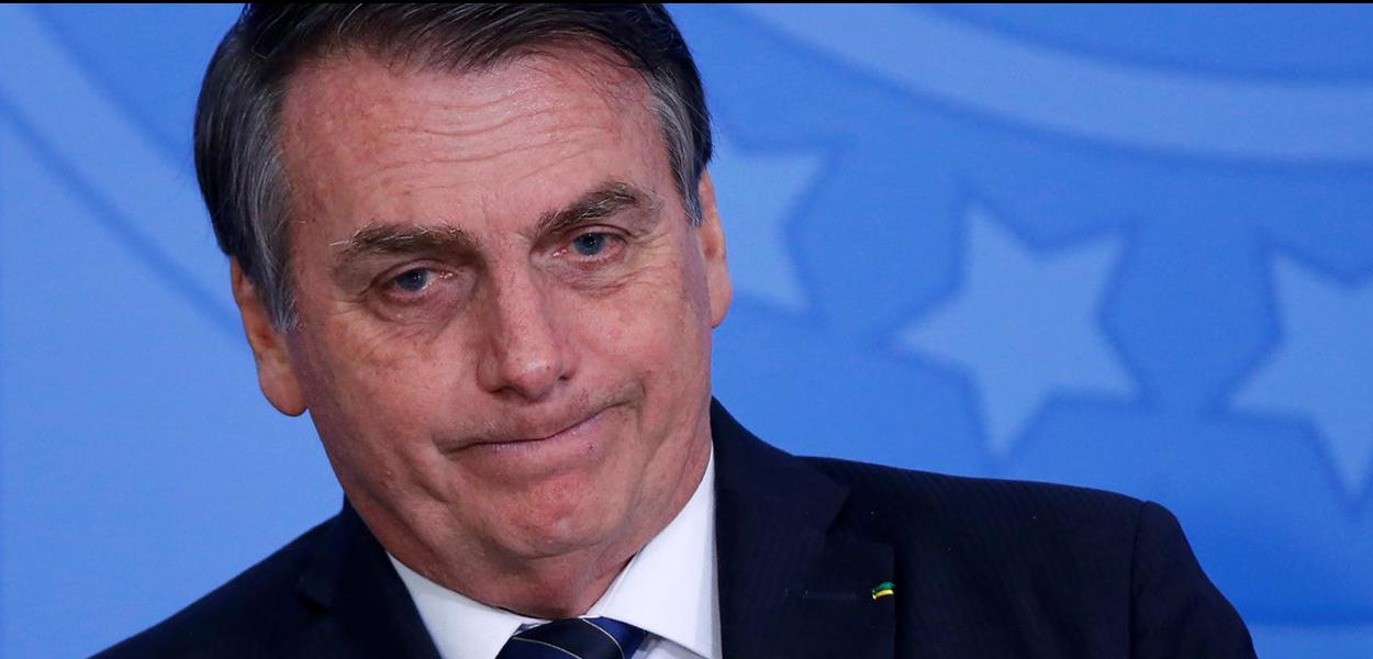 Jair Bolsonaro diz que livro didático com temática LGBT estimula crianças ao sexo