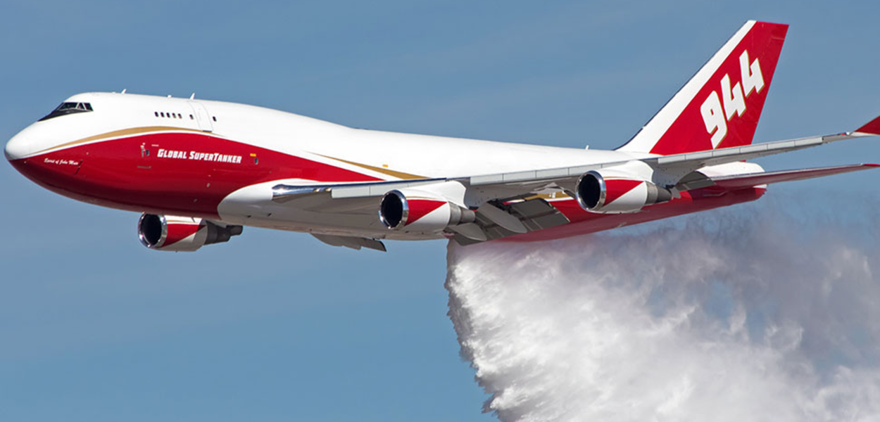 Evo contrata avião supertanque para combater incêndios na Amazônia