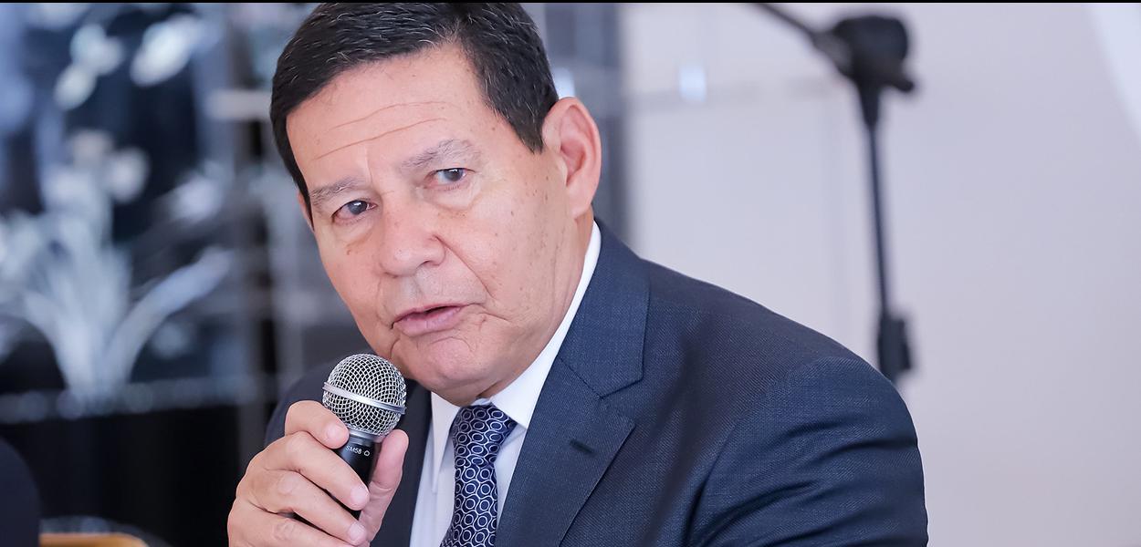 (Brasília - DF, 01/08/2019)  Vice-Presidente da República, Hamilton Mourão durante Almoço com os Chefes de Missão dos países da Ásia e Oceania.\r\rFoto: Romério Cunha/VPR