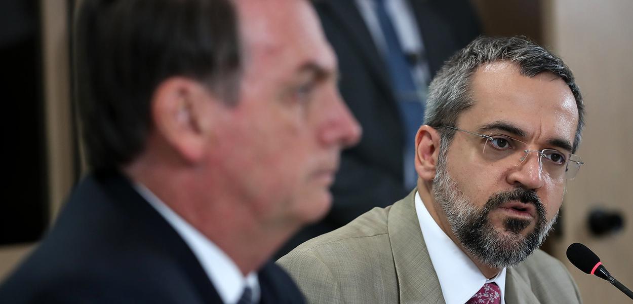 Orçamento de Bolsonaro para 2020 tira metade dos recursos do MEC ...