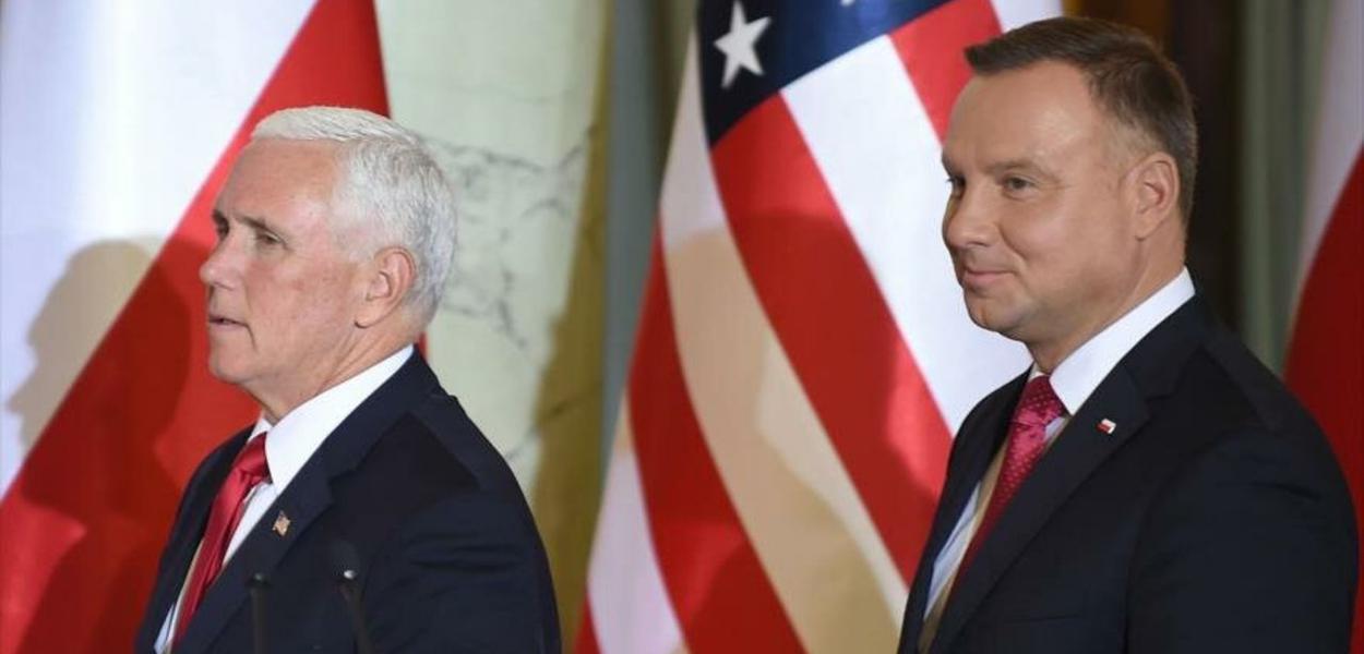 Mike Pence, vice-presidente dos EUA, e A.Duda, presidente da Polônia