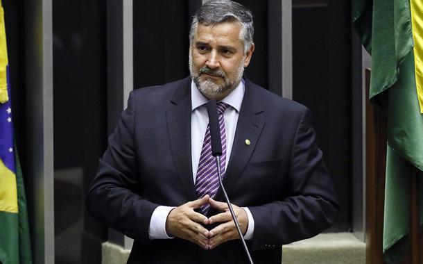 20190904150956 7b62c77a 49ea 4894 a3be 48b073e7d16b - Pimenta: Bolsonaro quer superar FHC no entreguismo