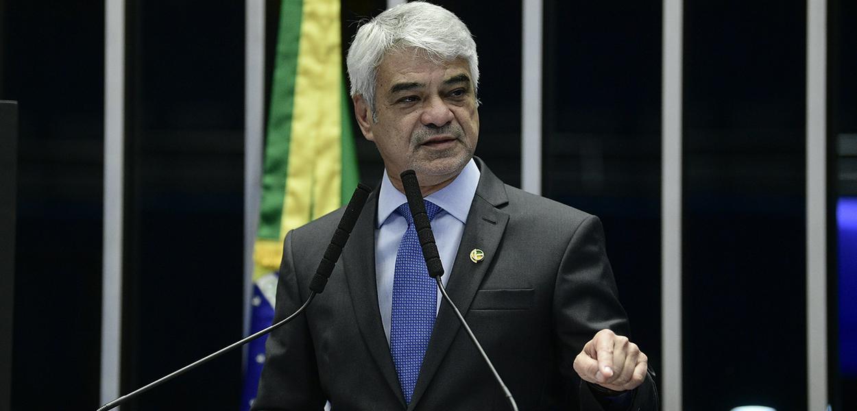 Em discurso, à tribuna, senador Humberto Costa (PT-PE)
