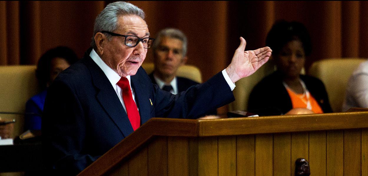 Raúl Castro discursa na Assembleia Nacional