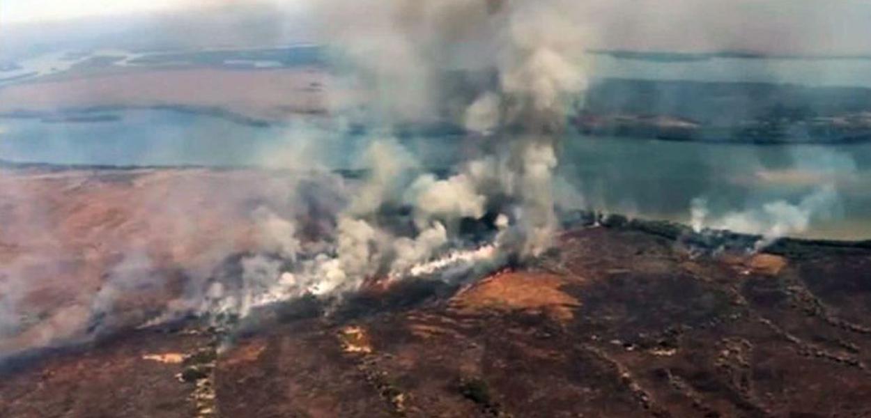 Incêndio na Chapada dos Guimarães