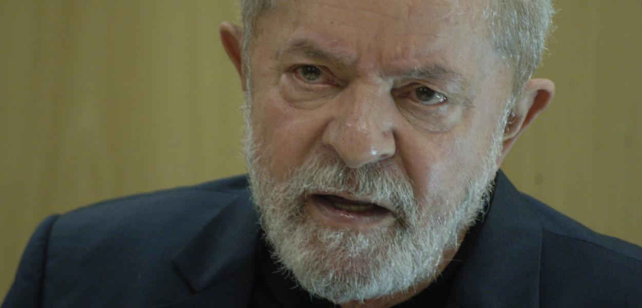 Lula em entrevista na sede da Polícia Federal em Curitiba