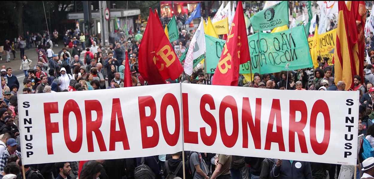Manifestantes pedem fim do Governo Bolsonaro