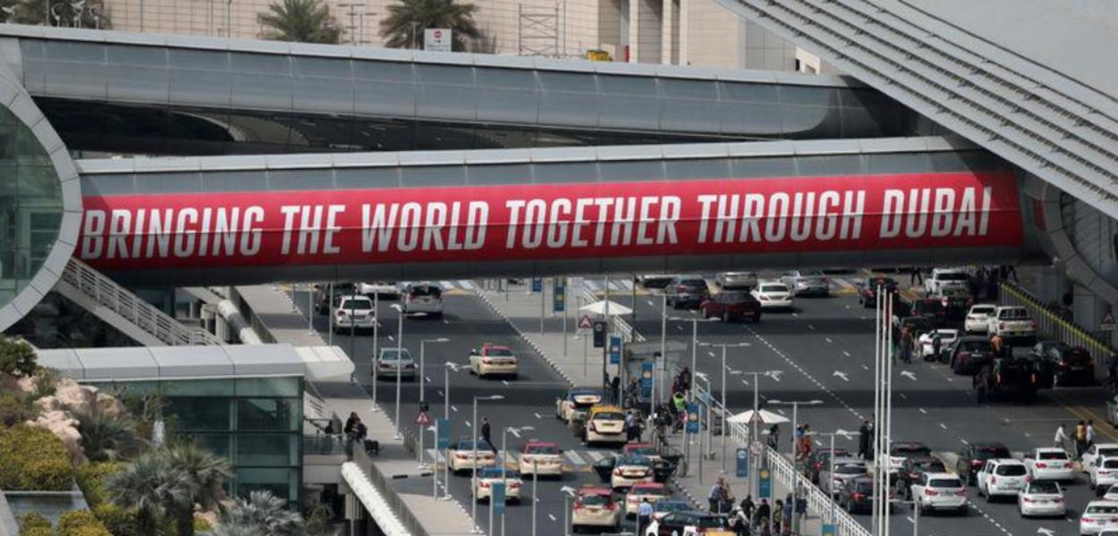 Vista aérea do Dubai International Airport.