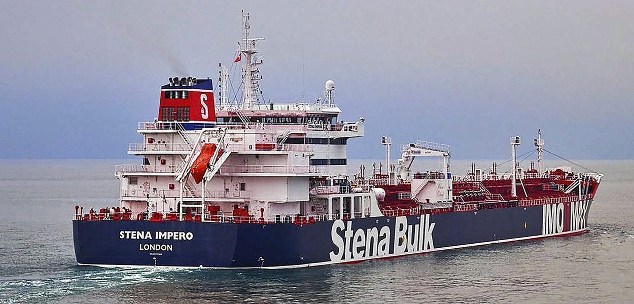 Irã libera petroleiro britânico capturado há dois meses