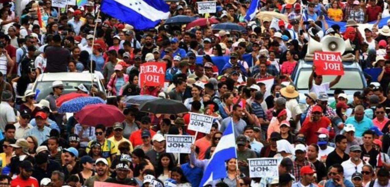 Honduras: Oposição defende renúncia do presidente