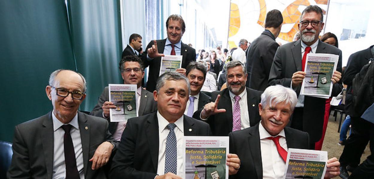 Brasília- DF. 08-10-2019- Oposição durante lançamento da proposta de reforma tributária sustentável, justa e solidária.  Foto Lula Marques