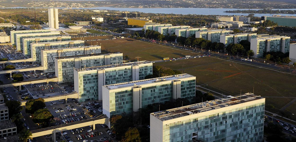 Vista aérea da Esplanada dos Ministérios em Brasília-DF.