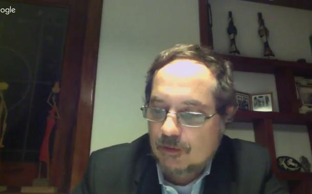 Rodrigo Vianna: Bolsonaro busca o isolamento para tentar um golpe
