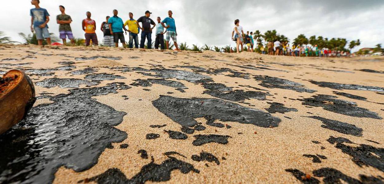 Vazamento de óleo no litoral do Nordeste