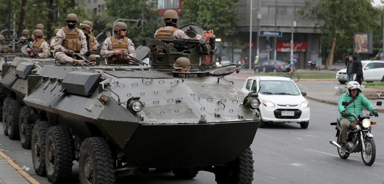 tropas exército chileno ruas santiago