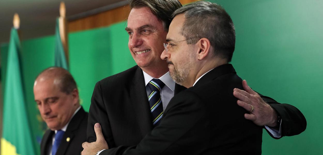 Universidades públicas devem parar no próximo dia 15 contra Bolsonaro