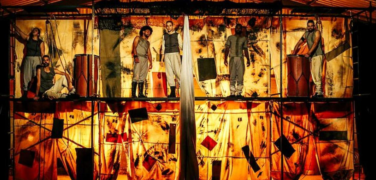 Grupo Teatro da Pedra comemora 15 anos do projeto Arte por toda parte