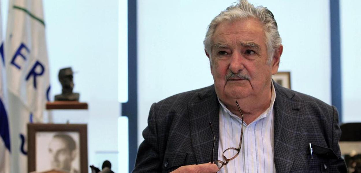 Lula homenageia Pepe Mujica em seu aniversário