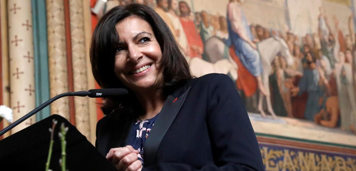 Prefeita de Paris, Anne Hidalgo pede voto em Haddad: um defensor da democracia