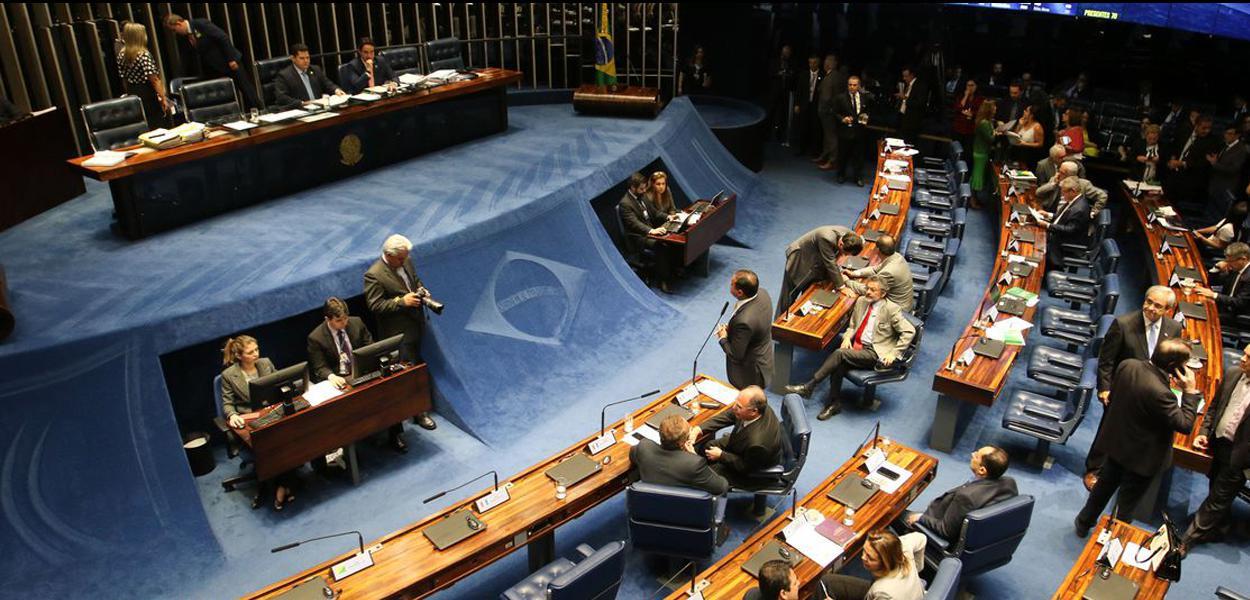 Plenário do Senado Federal, durante sessão deliberativa ordinária de votação da cessão onerosa do pré-sal