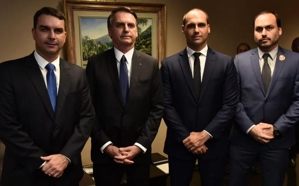 Assessores de Flávio Bolsonaro na Alerj defenderam a família